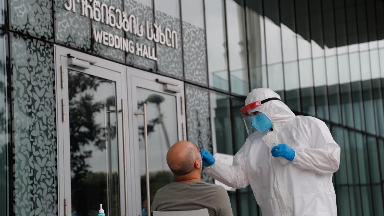 В Грузии в течение двух месяцев будет действовать программа интенсивного тестирования