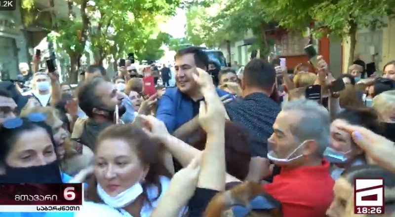 Саакашвили провел встречу в Афинах. Произошла потасовка