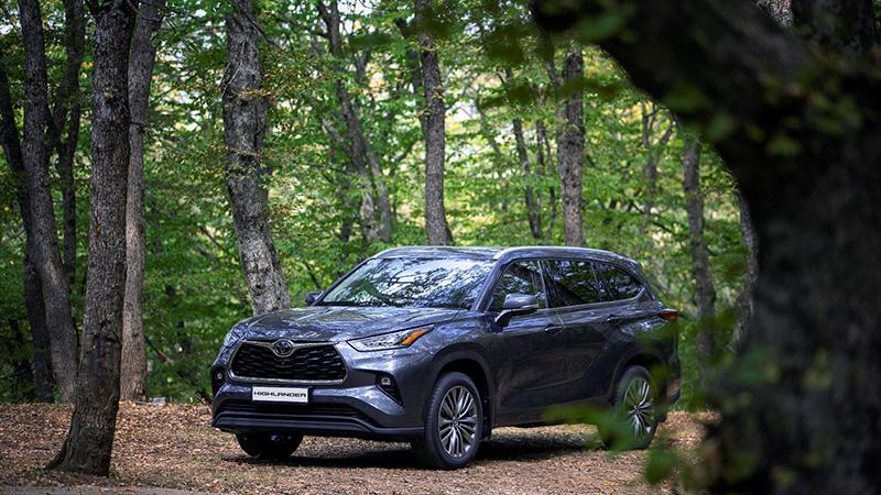ახალი Toyota Highlander - საუკეთესო კროსოვერი თანამედროვე ოჯახისთვის!