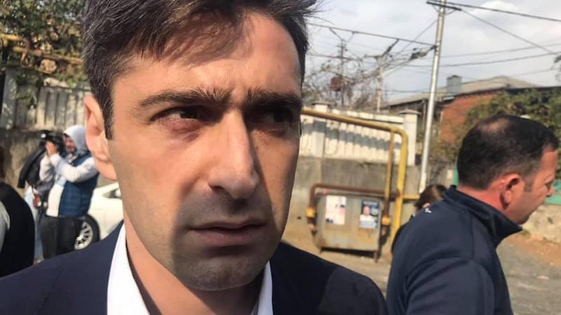 Кандидат в мэры Кутаиси: у избирательного участка меня избили «гопники»