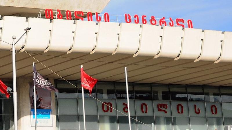 В Тбилиси из-за ковида закрыли торговый центр