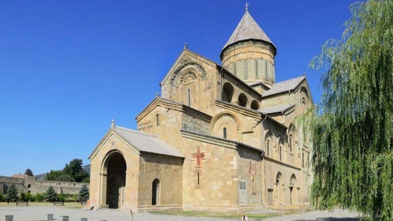 Правила для желающих посетить собор Светицховели: термоскрининг, маска и соцдистанция