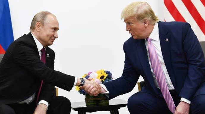 СМИ: в США «выкинули» полученные из России аппараты ИВЛ