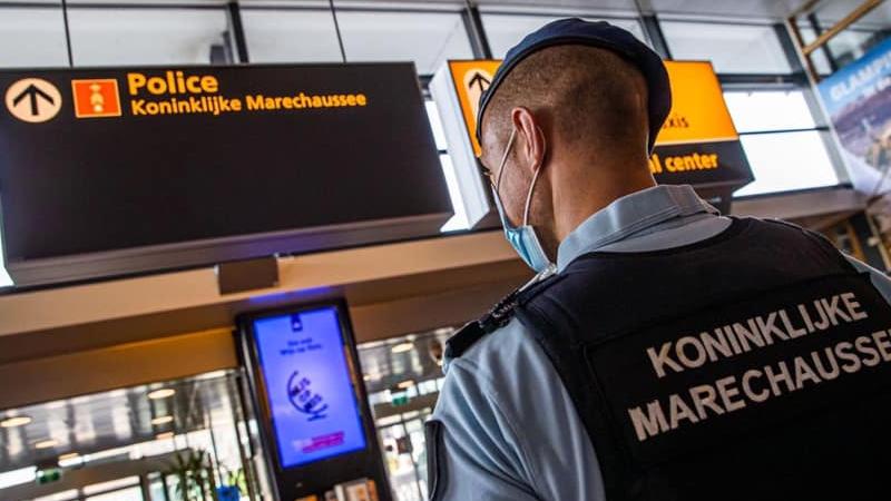 Ковид-инфицированный пассажир из Грузии арестован в аэропорту Амстердама