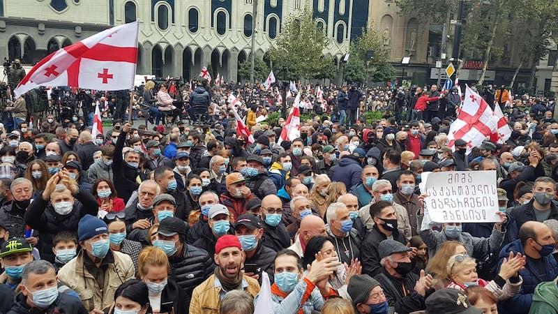 На проспекте Руставели начался очередной антиправительственный митинг