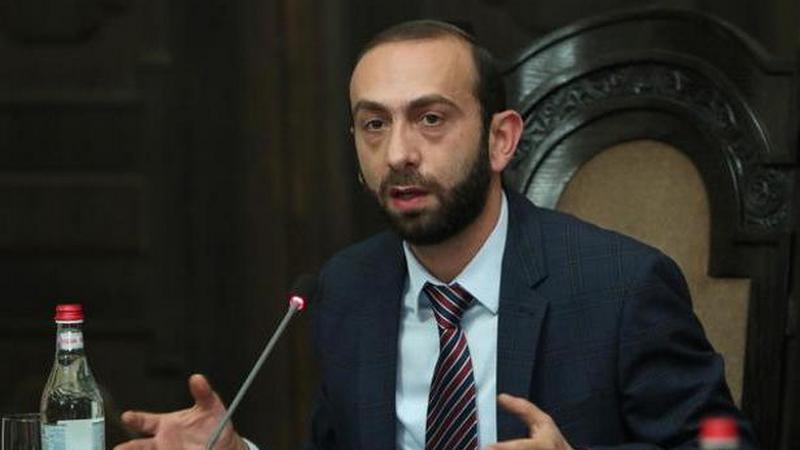 Протесты в Армении: избит спикер парламента