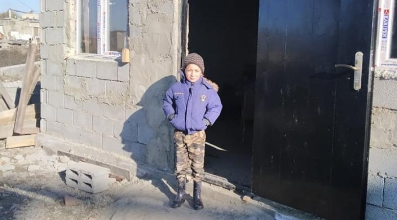 Семья 8-летнего Гиги Чангелия, которая жила в столичном поселке Африка получила квартиру