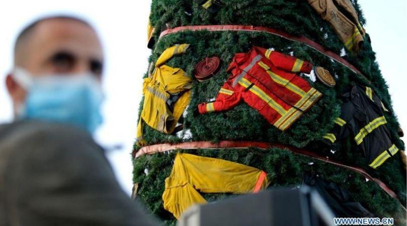 ბეირუთის ნაძვის ხეები პორტის აფეთქების მოტივებით[ფოტო]