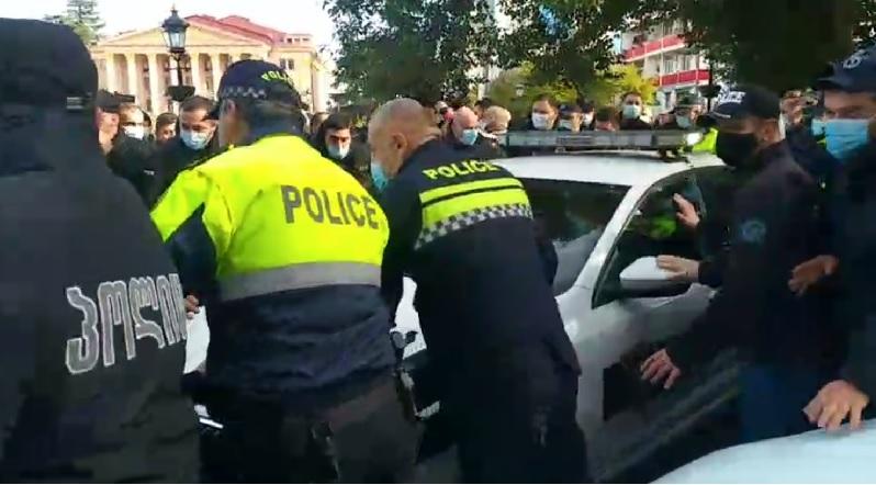 В Батуми задержаны три участника акции протеста