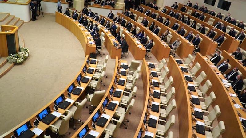 В резолюцию по внешней политике Грузии добавлен пункт о международных судебных разбирательствах с Россией