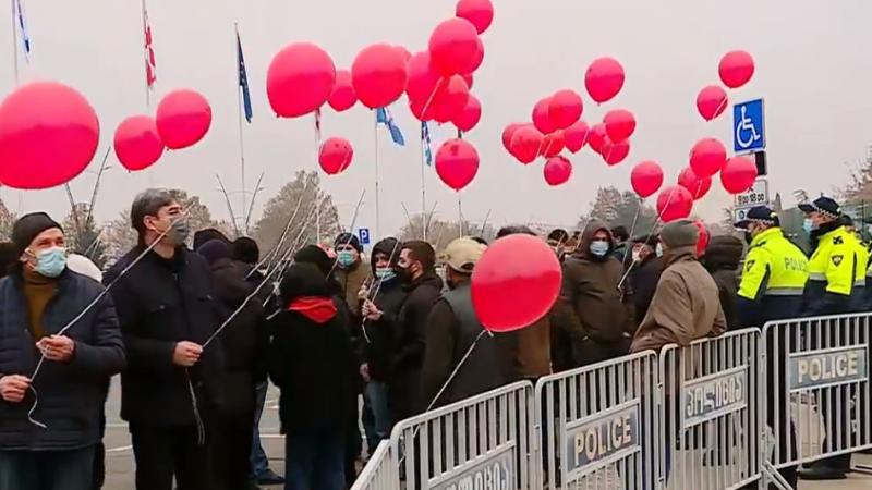 В Тбилиси и Батуми проходят акции «воздушных шаров»