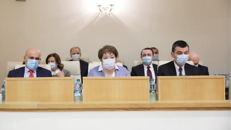 Парламент Грузии утвердил состав правительства во главе с премьером Гиоргием Гахария