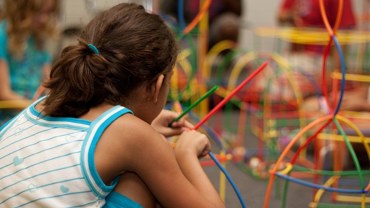 В пандемию многие дети с ограничениями лишись госпособия. Что их ждет?