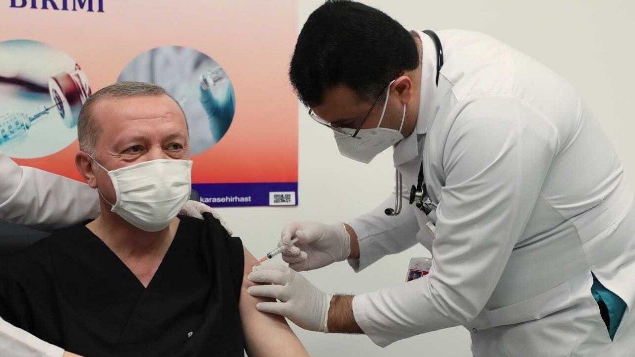 Президент Турции сделал прививку китайской вакциной в прямом эфире