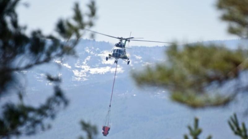 Для тушения пожара в Рача-Лечхуми задействован вертолет