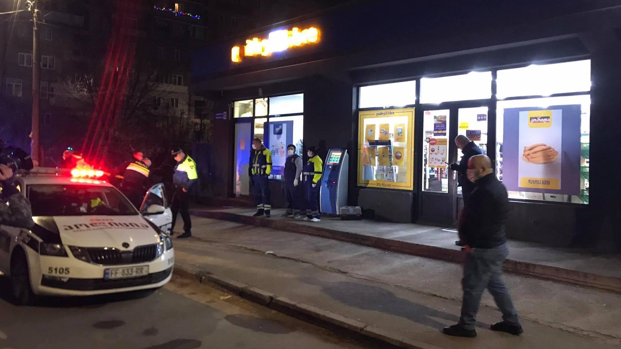 В Рустави неизвестные избили консультанта магазина