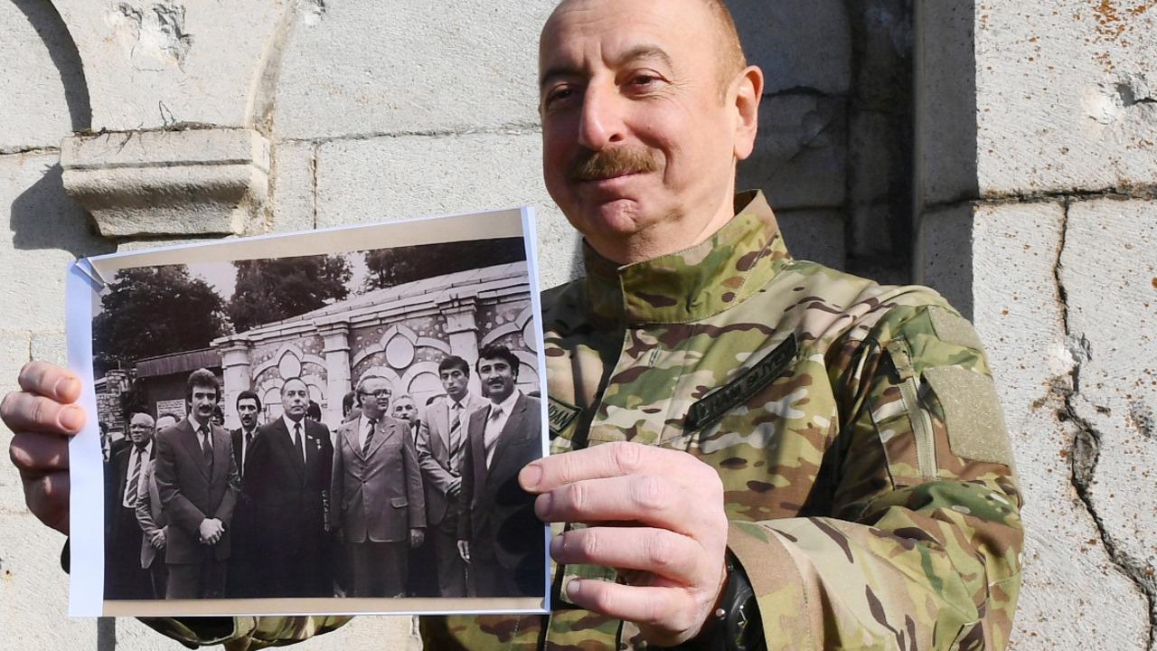Президент Азербайджана посетил город Шуша