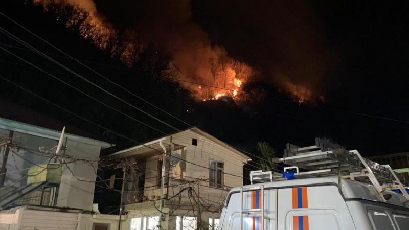 Де-факто МЧС Абхазии: в Гагрском районе общий очаг возгорания фрагментировался
