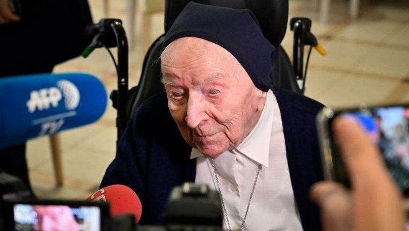 Старейшая жительница Франции незадолго до своего 117-летия победила ковид