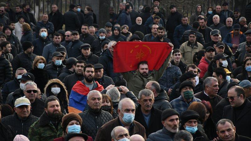 В Ереване пройдут митинги сторонников и противников Пашиняна