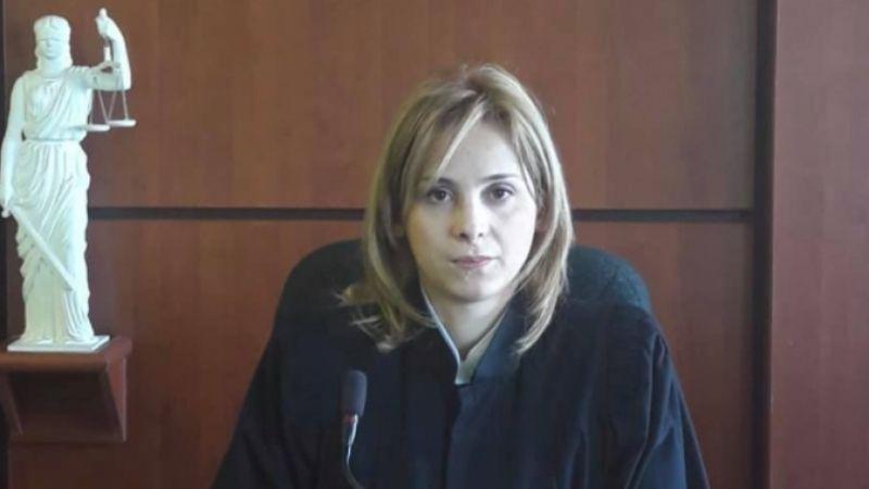 Кто является судьей по делу Ники Мелия и что о ней известно?