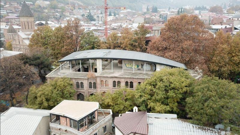 დაშენება ქარვასლის თავზე. ფოტო გიორგი პატაშურის ისტორიულ-არქიტექტურული კვლევიდან