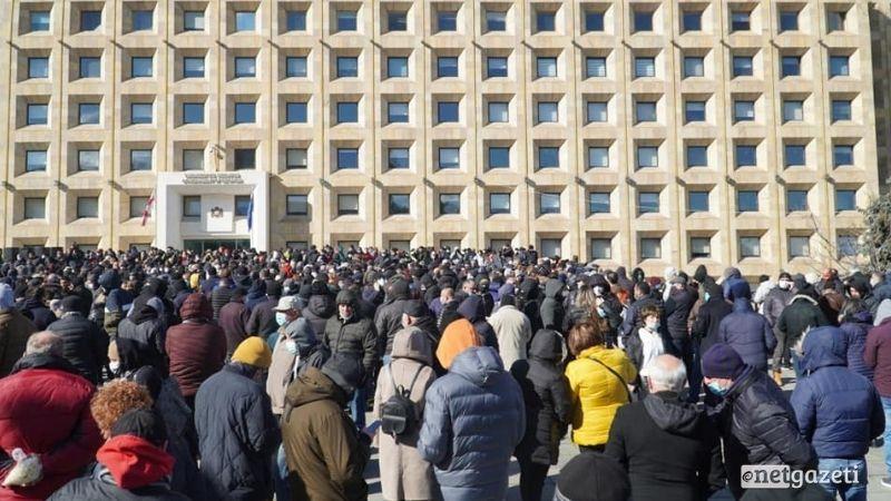 В Тбилиси и Батуми проходят акции протеста