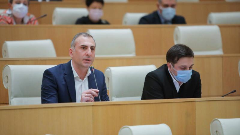 Один из лидеров партии «Граждане» избран вице-спикером парламента Грузии