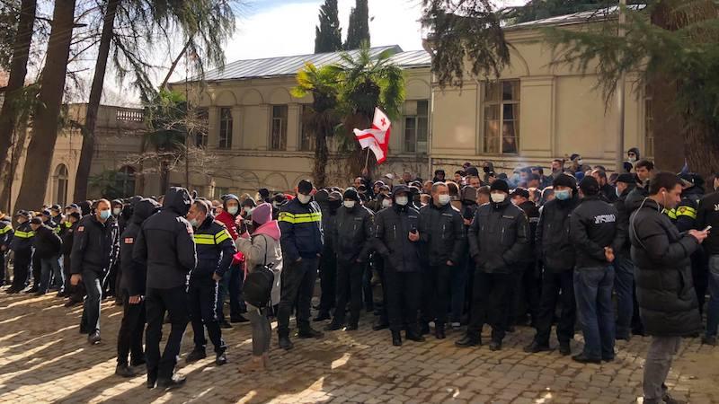 Грузинская оппозиция отложила проведение акций протеста