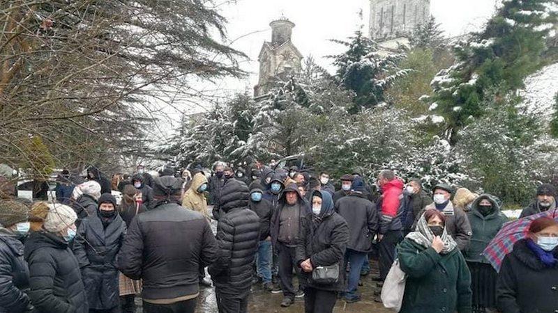 В Чкондидской епархии обрушились перила, пострадали несколько человек