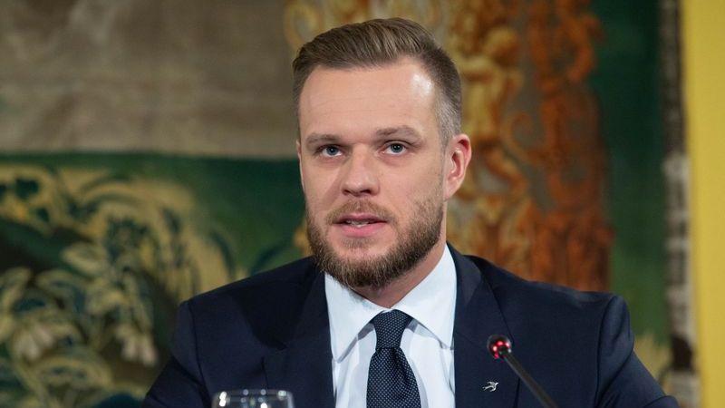 Страны Прибалтики выдворяют российских дипломатов