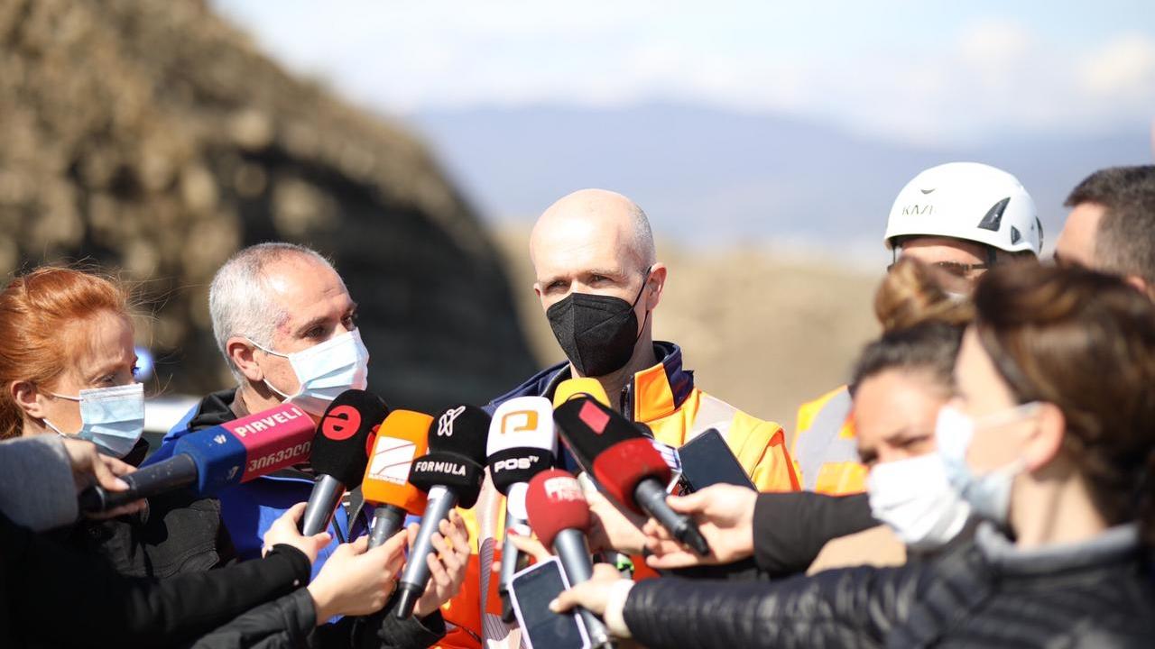 Эксперт об оползне в Вашлиджвари: заполнение трещин было необходимым