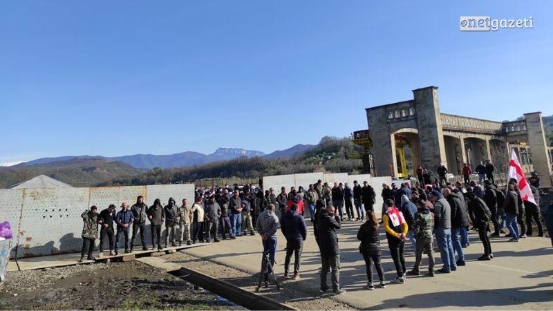 «Защитники долины Риони» требуют разблокировать дорогу в деревню Намахвани
