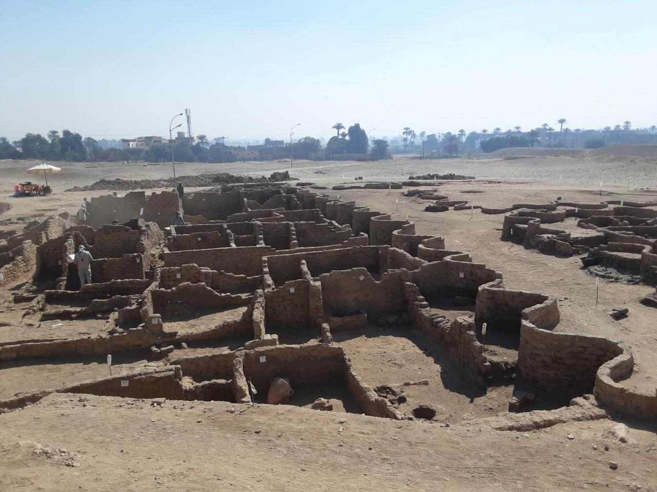 3 000 წლის წინანდელი ქალაქის ნაშთები. ფოტო: Zahi Hawass