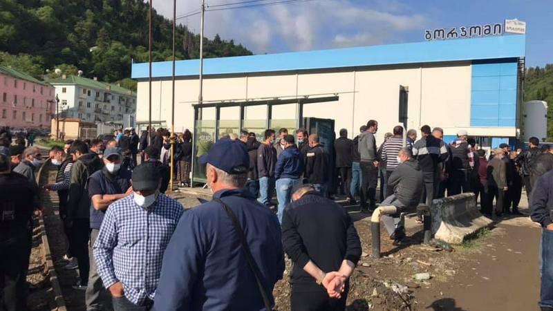 Рабочие завода «Боржоми» объявили забастовку