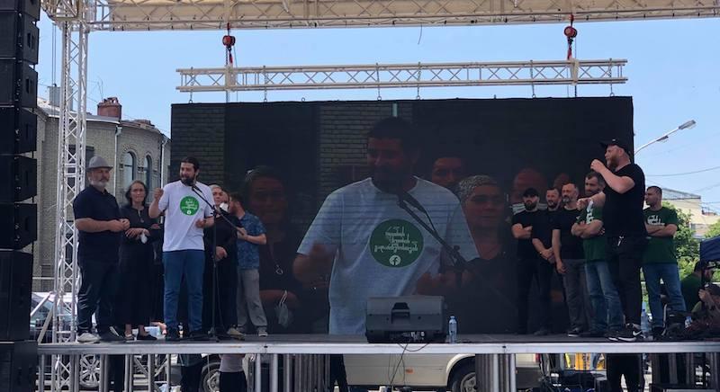 Лидеру протеста против строительства Намахвани ГЭС предложили встретиться с председателем парламента Грузии