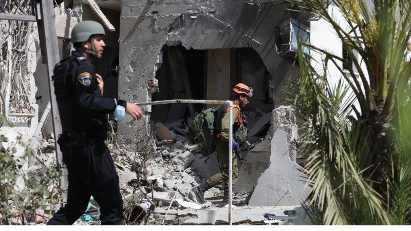 ღაზის სექტორიდან დაბმობილი სახლი ისრაელის ქალაქ აშკელონში. ფოტო: EPA