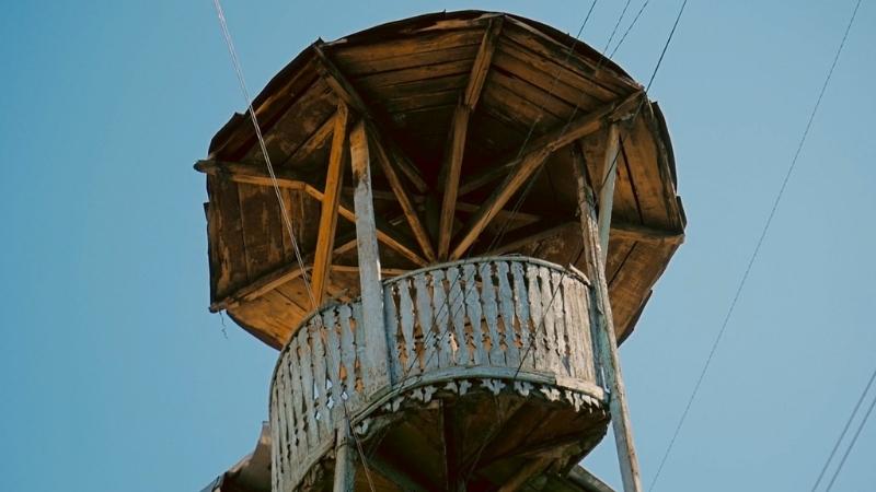 თბილისში ისტორიული კიბე ინგრევა — მის აღსადგენად ფულს აგროვებენ