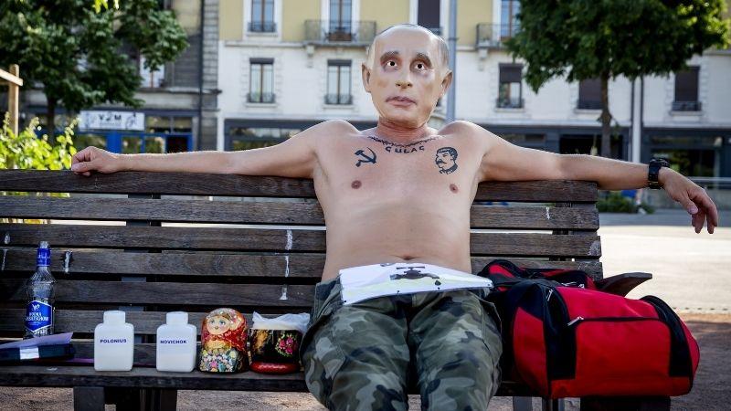В Женеве Путина встречают акцией протеста — Фоторепортаж