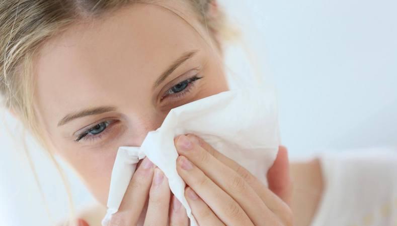 Штамм «Дельта» характеризуется головной болью и сильным насморком