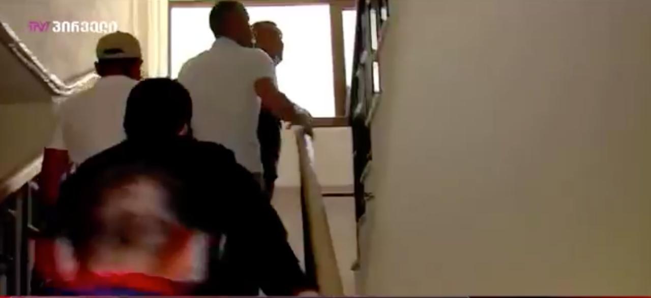 ჟურნალისტებზე თავდასხმაში ბრალდებულ კიდევ 4 პირს წინასწარი პატიმრობა შეეფარდა