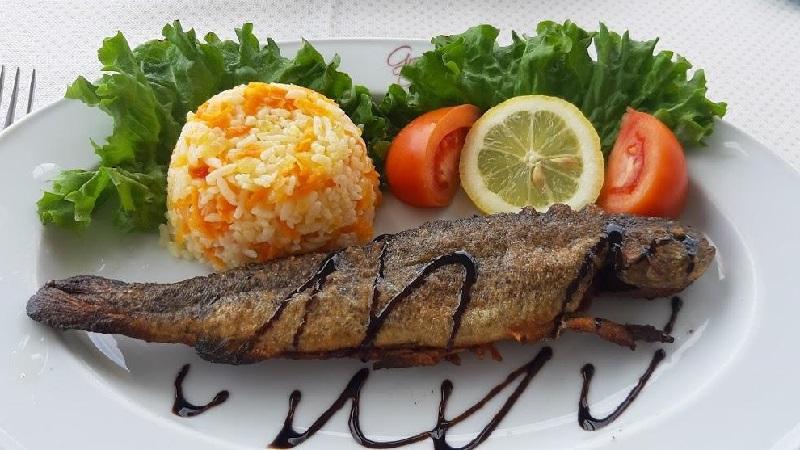 6 რესტორანი ბათუმში, სადაც თევზისა და ზღვის პროდუქტების უგემრიელეს კერძებს ამზადებენ