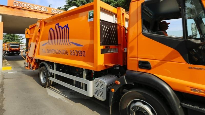 В Тбилиси изменился график вывоза мусора