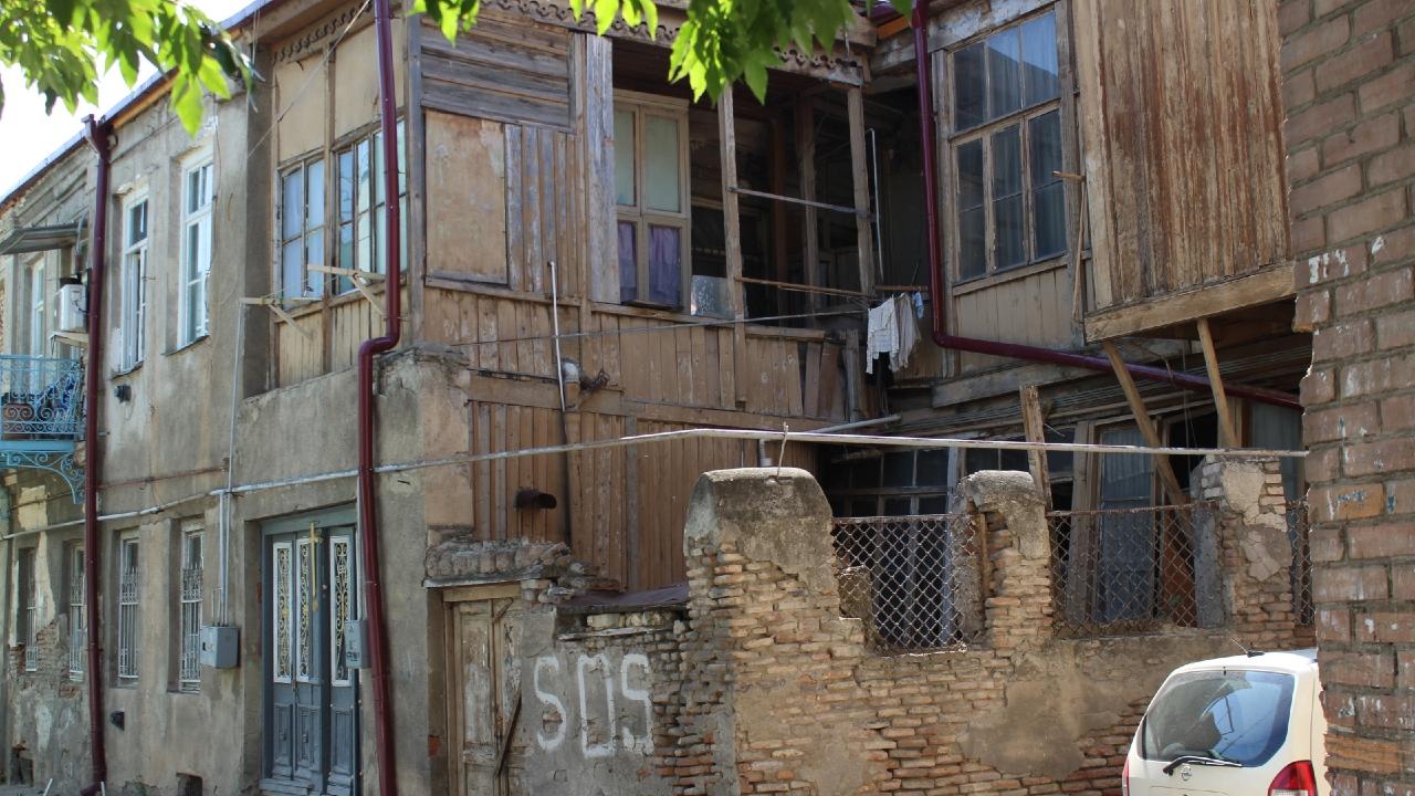 თბილისში ისტორიული სახლები ინგრევა – რას აპირებენ მერობის კანდიდატები