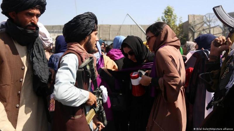 თალიბანმა ცრემლსადენი გაზი და ხელკეტები გამოიყენა ქალთა აქციაზე ქაბულში —მედია