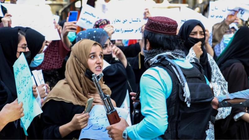 თალიბებმა ქალ დემონსტრანტებს მათრახებითა და ხელკეტებით სცემეს ქაბულში