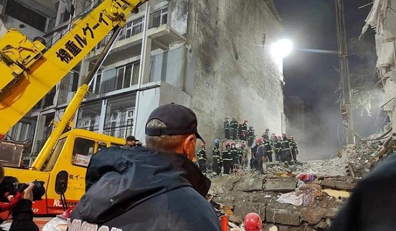 В Батуми эвакуировали 40 семей проживающих в доме расположенном рядом с местом обрушения